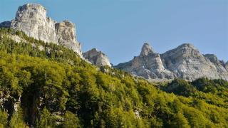 Španělsko, Národní parky španělských Pyrenejí, NP St. Maurici, NP Maladeta, NP Ordesa