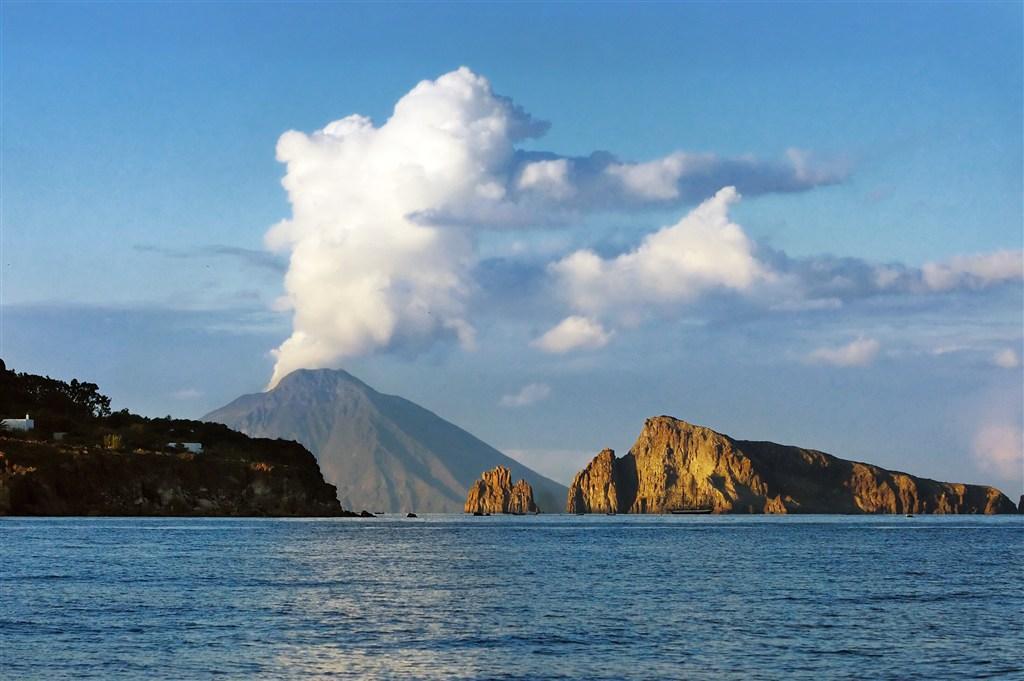 Itálie, Sicílie, Liparské ostrovy, ostrov Vulcano