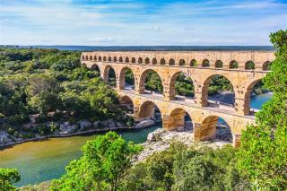 Kouzelnou Provence lodí, na kole i pěšky