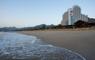 Le Meridien Al Aqah Beach Resort