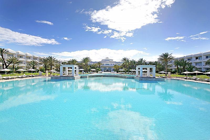 Radisson Blue Palace Resort & Thalasso