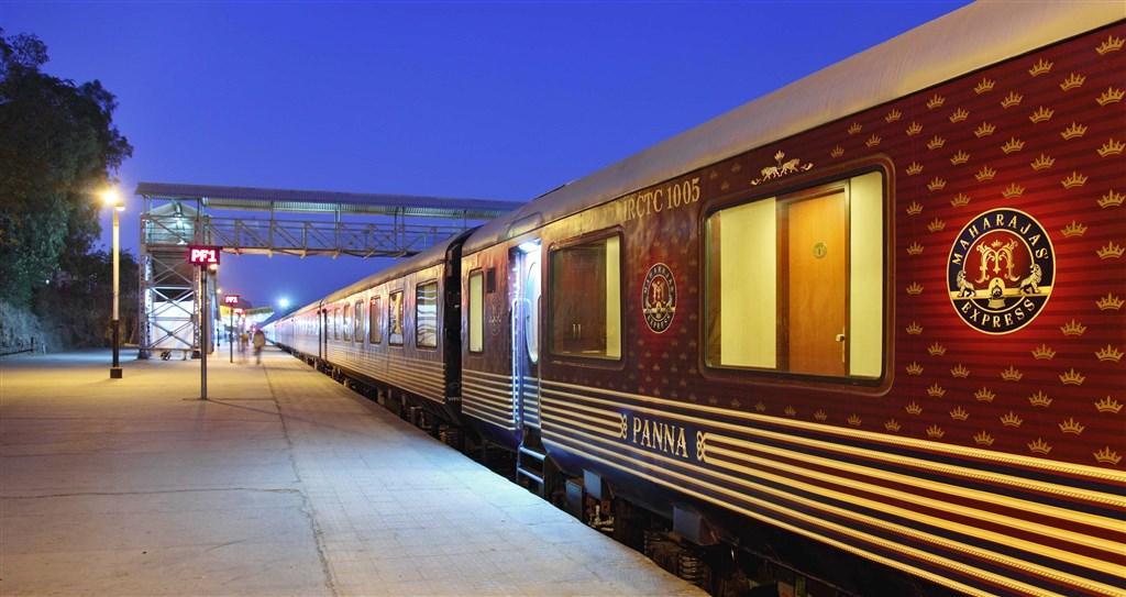 Luxusní Indie - Palác na kolech (luxusní vlak)