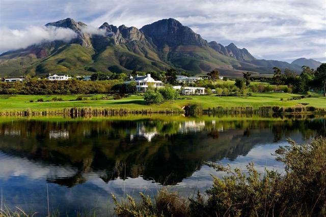 Jižní Afrika - cesta za golfem a sklenkou vína