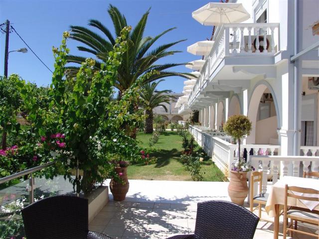 Фотогалерея отеля Belussi Beach 3* (Греция/о.Закинф). Рейтинг отелей и гостиниц мира - TopHotels.