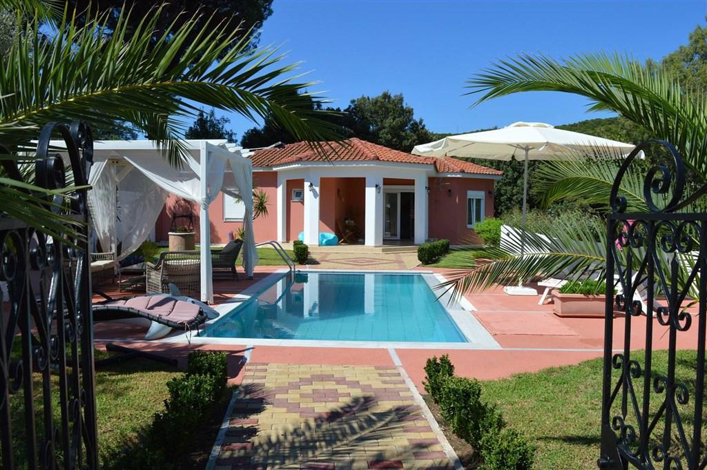 Villa Platanias