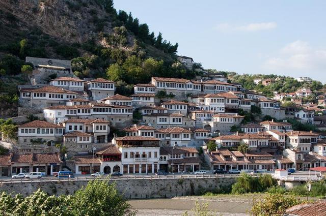 Sarajevo, Albánie a Makedonie