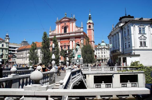 Tajemné jeskyně Slovinska a Itálie, víno a mořská laguna