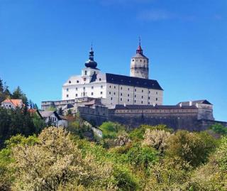 Železnicí UNESCO na Semmering a hrad Forchstein