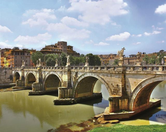 Řím letecky s výletem do Neapole