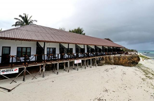 Amaan Bungalows Beach Resort