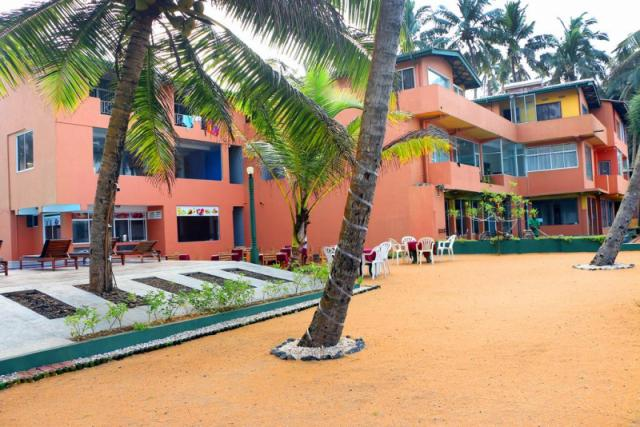Roy Villa Beach Resort