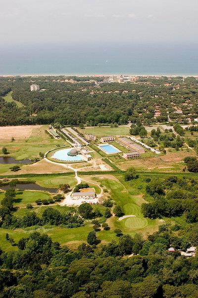Cosmopolitan Golf & Beach Resort